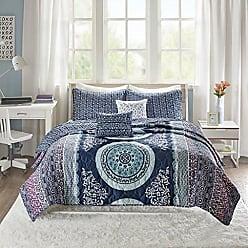 INTELLIGENT DESIGN Loretta Ultra Soft Brushed Microfiber Bohemian Boho Reversible 4 Piece Quilt Coverlet Bedspread Bedding Set, Twin/Twin XL Size, Navy