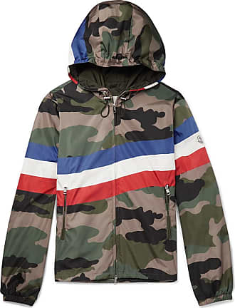 6d76260be35 Men's Moncler® Hooded Jackets − Shop now up to −30% | Stylight
