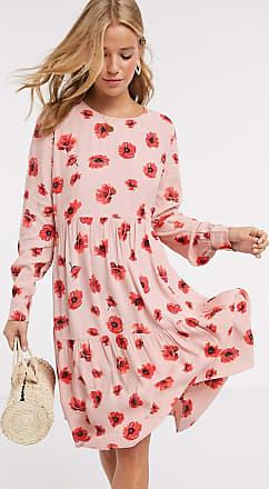 Pieces Gestuftes Hängerkleid in Rosa mit rotem Blumenmuster-Mehrfarbig