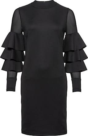 Sex i svart klänning