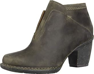 Clarks Womens Carleta York Boots, Taupe Oiled Leather, 7.5 M US
