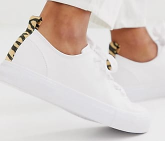 Bershka tiger back tab plimsoll trainers in white
