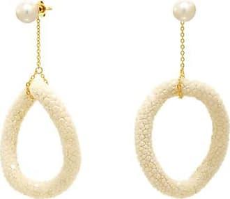 Misaki Boucles doreilles pendantes Swing blanches dorées avec galuchat et perles blanches