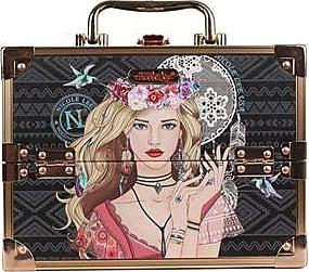 Nicole Lee Cosmetiquera Rígida Grande con Estampado Elsa<br>Negro y Dorado<br>24.13 X 17.78 X 16.51 cm