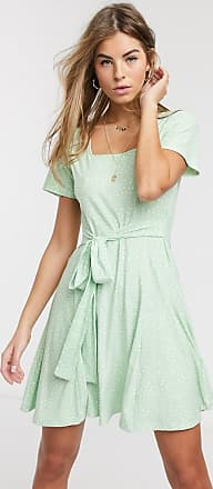 Qed London Weiches, gepunktetes Minikleid mit geradem Ausschnitt und Bindeband hinten-Grün