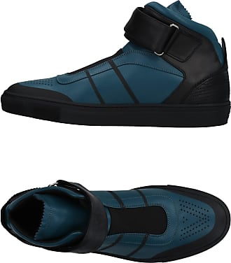 Versace® Shoes − Sale: up to −40%   Stylight