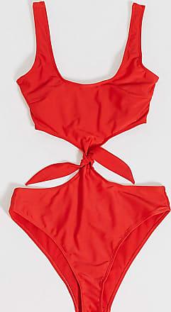 Wolf & Whistle Fuller Bust - Exclusive Eco - Tief ausgeschnittener Badeanzug mit hohem Beinausschnitt und Metalldetail in Rot