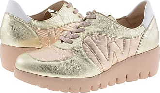 Wonders C-33202 Metallic Leather Trainers for Women Size: 4 Color: ORO