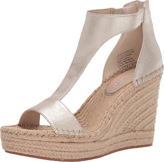 Kenneth Cole Womens Olivia Metallic T-Strap Sandal Ice 5