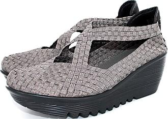 bernie mev. Womens King Wedge Sandals (Gunmetal, 6)