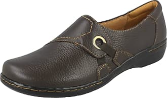 Clarks Ladies Clarks Comfortable Everyday Flats Evianna Boa Brown Tumbled Leather Size 4.5D