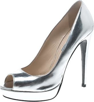 2ac2753f6 Prada® Leather Pumps: Must-Haves on Sale up to −81% | Stylight