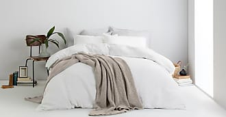 MADE.COM Grove Tagesdecke (150 x 200 cm) aus 100 % Baumwolle, Steingrau