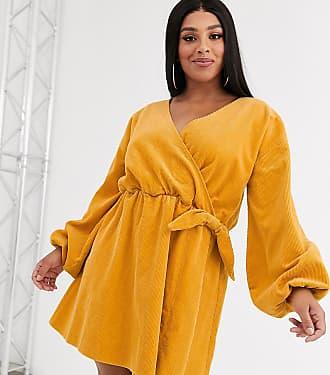 Asos Curve ASOS DESIGN Curve - Vestitino grembiule a portafoglio a coste giallo calendula-Arancione
