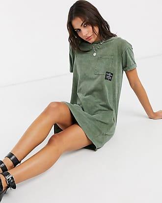 Bershka T-Shirt-Kleid mit Slogan und Acid-Waschung in Khaki-Grün