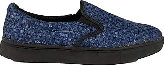 bernie mev. Womens Verona Woven Slip-On Sneaker (Jeans/Black Sole, 3)
