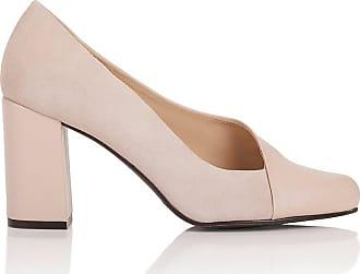 Schuhe zu groß? Mit diesen Tricks machst du sie kleiner