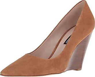 Nine West Womens VINTAGELUV Suede Pump, Dark Natural, 5 M US