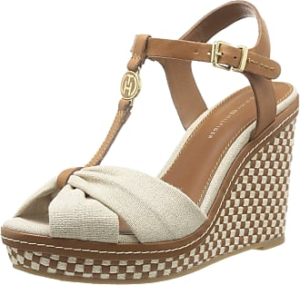 684ee48e3dc0 Tommy Hilfiger Womens EMERY 71C Fashion Sandals Beige Beige (NATURAL 104)  Size  8