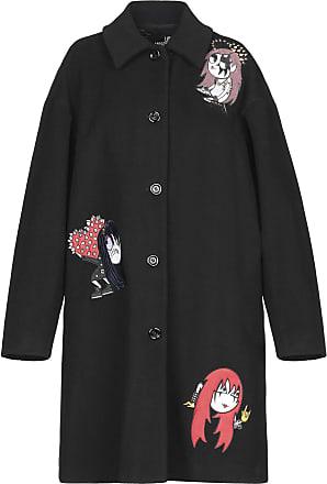 cappotto nero con scritte moschino