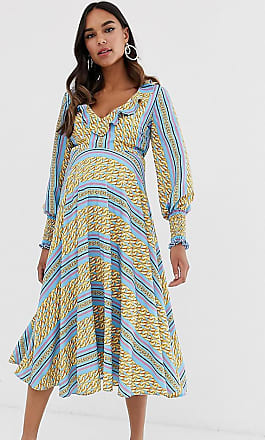 Queen Bee Maternity ruffle plunge front midaxi dress in chain print-Multi