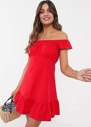 Asos Petite ASOS DESIGN Petite - Schulterfreies Mini-Sommerkleid mit Schößchensaum in Rot