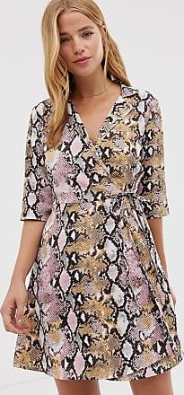 Qed London &dash Hemdkleid mit Wickeldesign vorne und Schlangenledermuster-Mehrfarbig