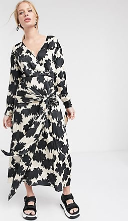 Topshop Boutique wrap dress in mono floral print-Black