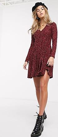 Qed London Weiches, ausgestelltes Kleid mit Knopfleiste vorn und abstraktem Muster-Mehrfarbig