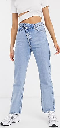 Weekday Skew - Gerade geschnittene Jeans in verwaschenem Hellblau mit asymmetrischem Verschluss