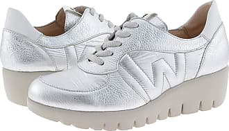 Wonders C-33202 Metallic Leather Trainers for Women Size: 4 Color: Plata