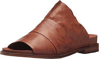 Kelsi Dagger Womens Ohana Flat Sandal, Russet, 6 M US