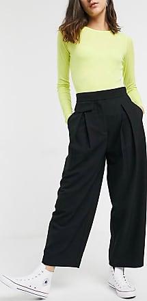 Weekday Nigella - Weit geschnittene Hose mit Bundfalten vorn, in Schwarz