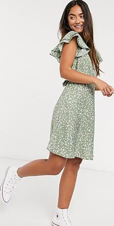 Qed London Minikleid mit Flügelärmeln in Salbeigrün