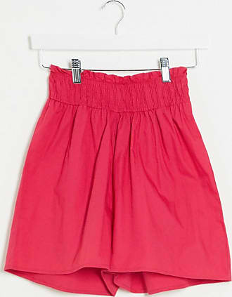 Influence Geraffte Shorts in Rosa