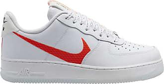 Gele citroen en witte Air Force 1 '07 LV8 sneakers.#Sneakers