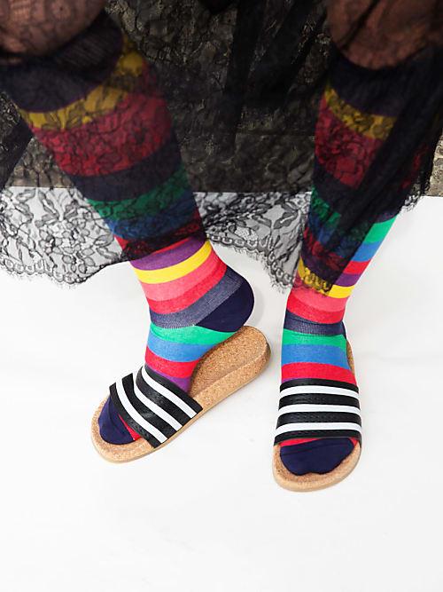 socken in sandalen frau