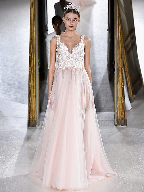 Dein Brautkleid Sollte Jetzt Diese Farbe Haben Blush Rosa Stylight