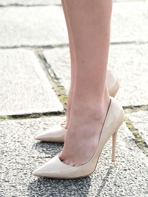 0bf7f562b2d8a 5 types de chaussures qu on devrait toutes avoir