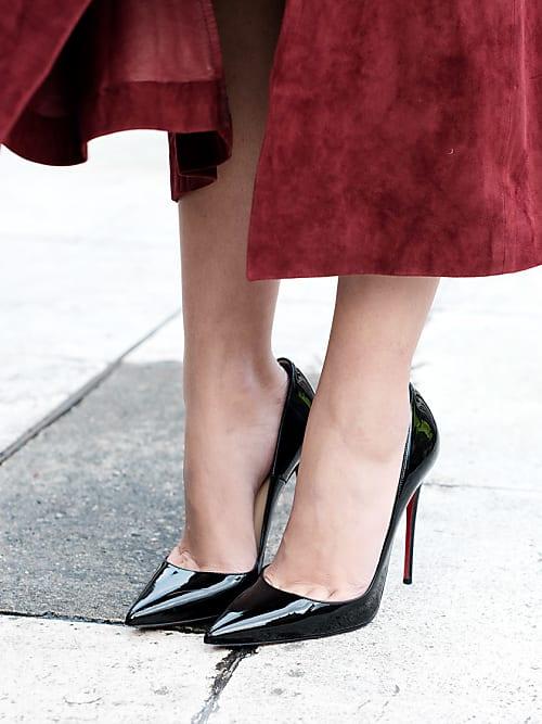 6f2028d36 Os sapatos de verniz estão na moda, mas você precisa tomar bastante cuidado  com eles.