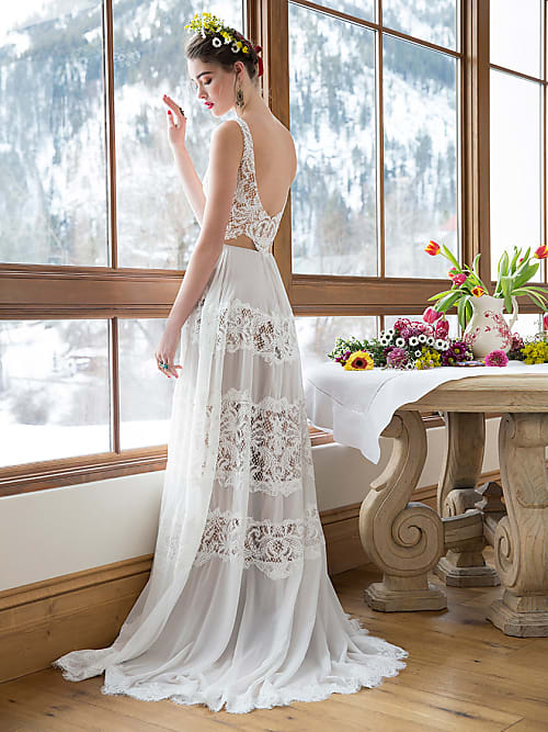 5 unique wedding dresses for your fall wedding   Stylight
