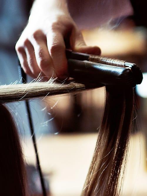 Du Willst Dir Die Haare Glätten Das Sind Die Besten Methoden