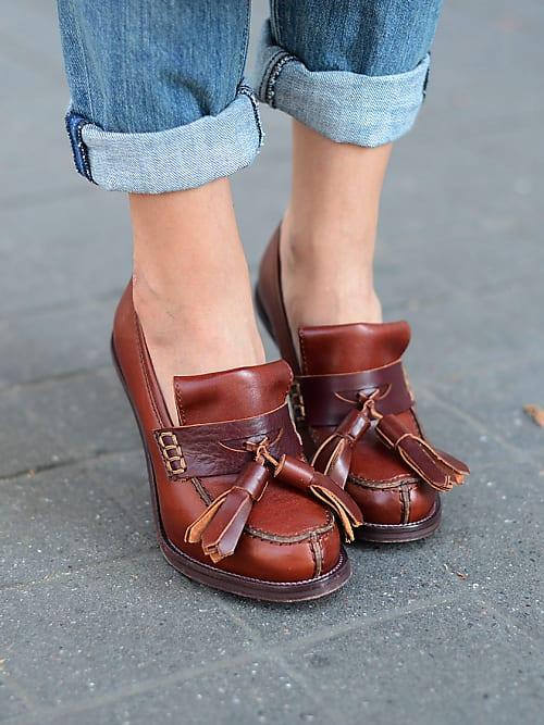 af9d1bd63de Te kleine schoenen gekocht? 5 hacks om leren schoenen groter te ...