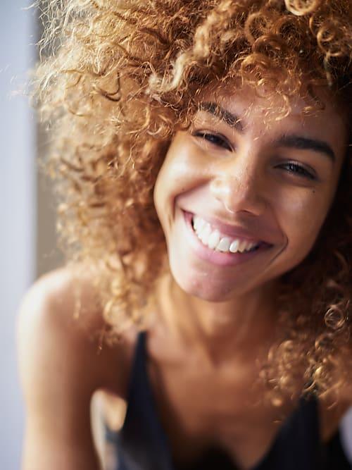 Afro At Its Best So Pflegst Du Naturkrauses Haar Richtig