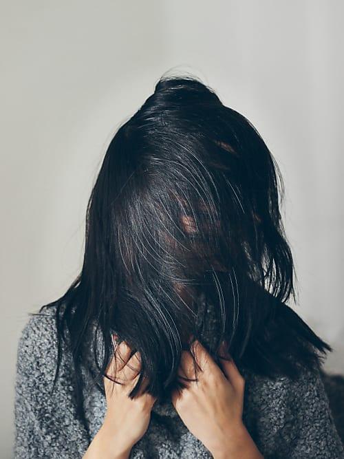 So Wirst Du Deine Grauen Haare Ganz Ohne Chemie Wieder Los Stylight