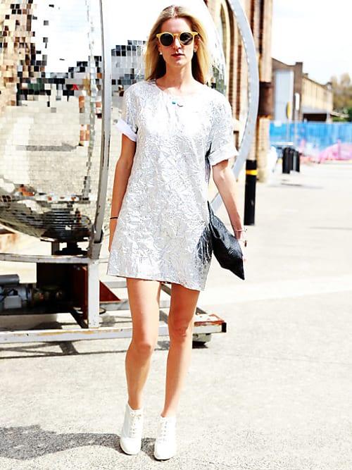 skor till vit klänning