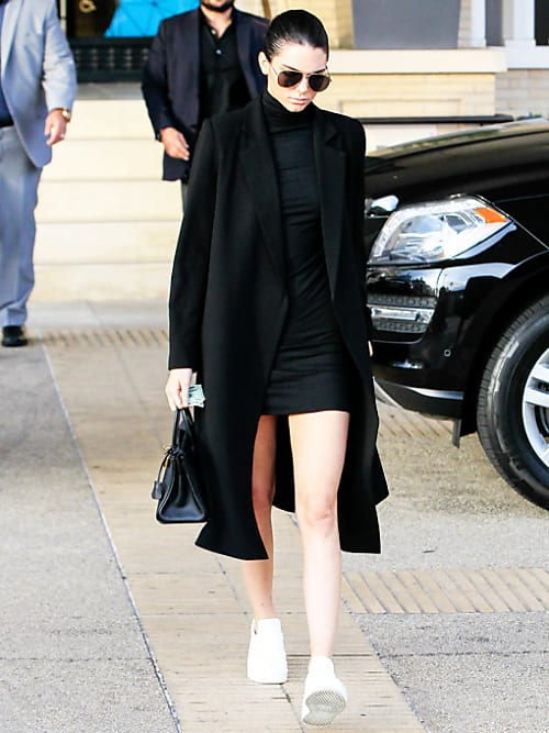 Den lilla svarta: 10 outfit inspirationer för dig!   Stylight