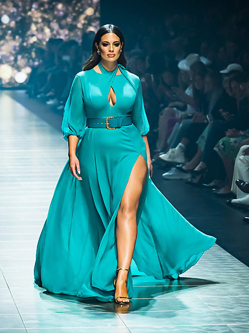 The best plus-size dresses to wear as a bridesmaid | Stylight