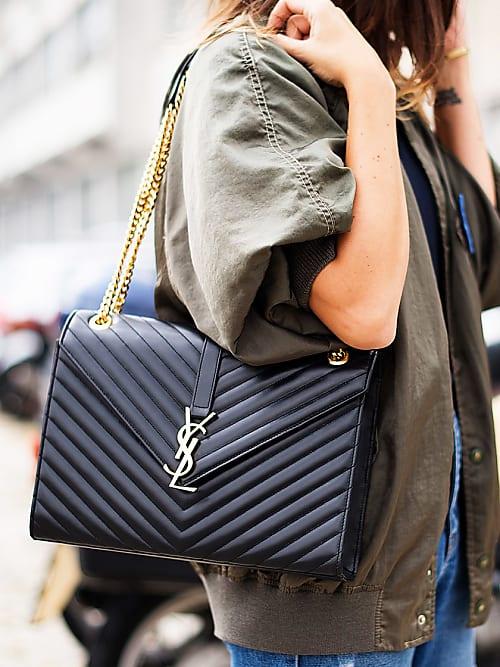 f2a751cd556 Yves is back! De mooiste logo-tassen van Yves Saint Laurent | Stylight
