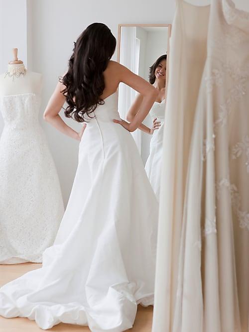 c01607d0faee 5 cose da sapere prima di iniziare a provare abiti da sposa